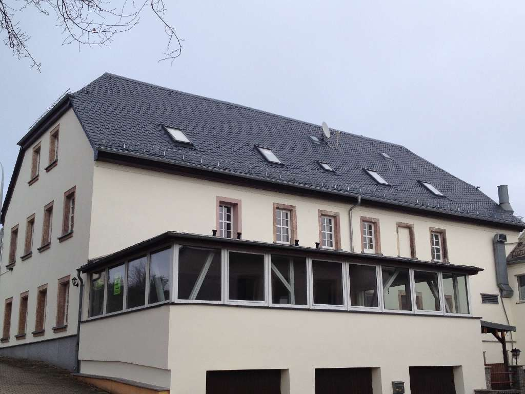 Denkmalgeschütztes Wohn- und Gasthaus mit Naturschiefereindeckung